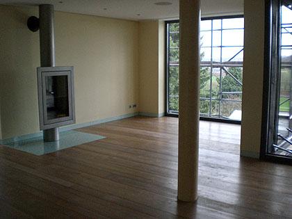 Zum Schluss Noch Ein Blick Ins Das Wohnzimmer. Wir Möchten Noch Einmal  Ausdrücklich Darauf Hinweisen, Dass Jeder Bodenbelag Mit Der Janßen FBH  Kombiniert ...