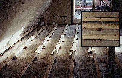 hier sehen sie das dachgeschoss nachdem ein teil der bodenflche bereits mit einer 5 mm starken trittschalldmmung ausgelegt wurde - Laminat Holzdielenboden